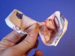 Rose aus Geldscheinen