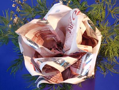 Eine Geld-Rose basteln