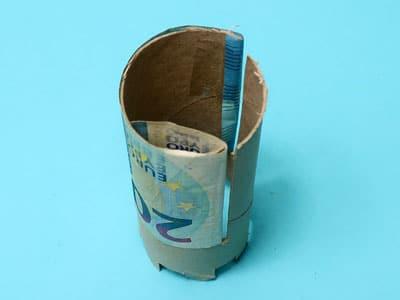 Geldscheine befestigen