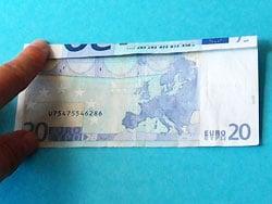 Hängematte aus Geld