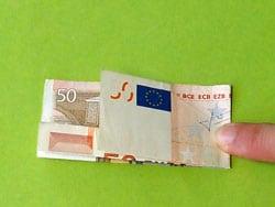 Sattel aus Geld