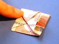 Boot aus Geld falten