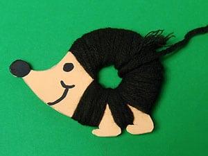 Idee Für Den Herbst Igel Aus Tonkarton Und Wollfäden Basteln