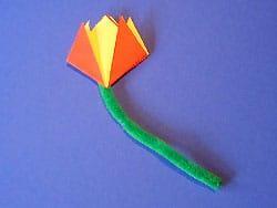 Eine kinderleichte blume falten basteln gestalten - Tulpe falten ...