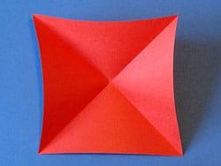 Schritt 2: Diagonalen falten