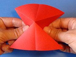 Schritt 5: Papier zusammen schieben