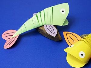 Fr hliche fische basteln basteln gestalten - Fische basteln aus papier ...