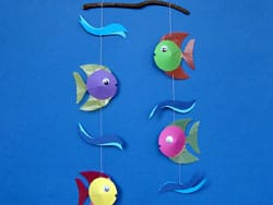 Mobile Basteln Aus Bunten Fischen Basteln Gestalten