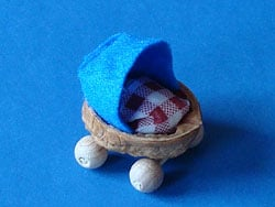 Mini Puppenwagen