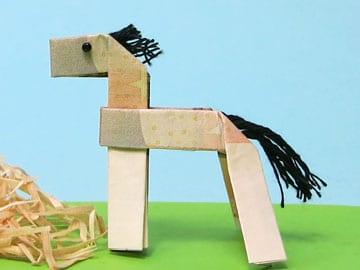 Ein Geld-Pferd basteln