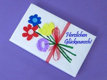 Geschenke verpacken Blumen