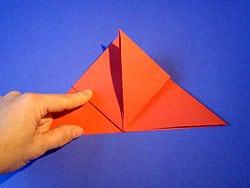 Bastelanleitung für einen Papier Flieger
