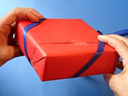 Geschenke schon verpacken geschenkband