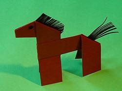 ein Pferd aus Tonpapier basteln