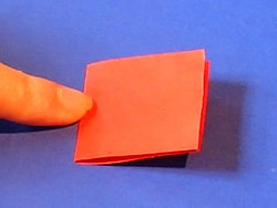 Schritt 2: Papier falten und umdrehen
