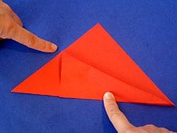 Schritt 3: rechten oberen Rand auf den unteren falten