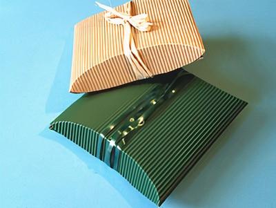 Geschenke in Wellpappe verpacken